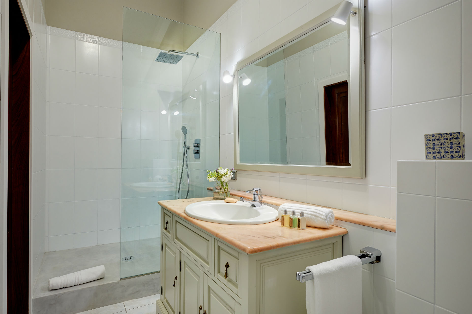 23 Casa Adrover Arta Bathroom