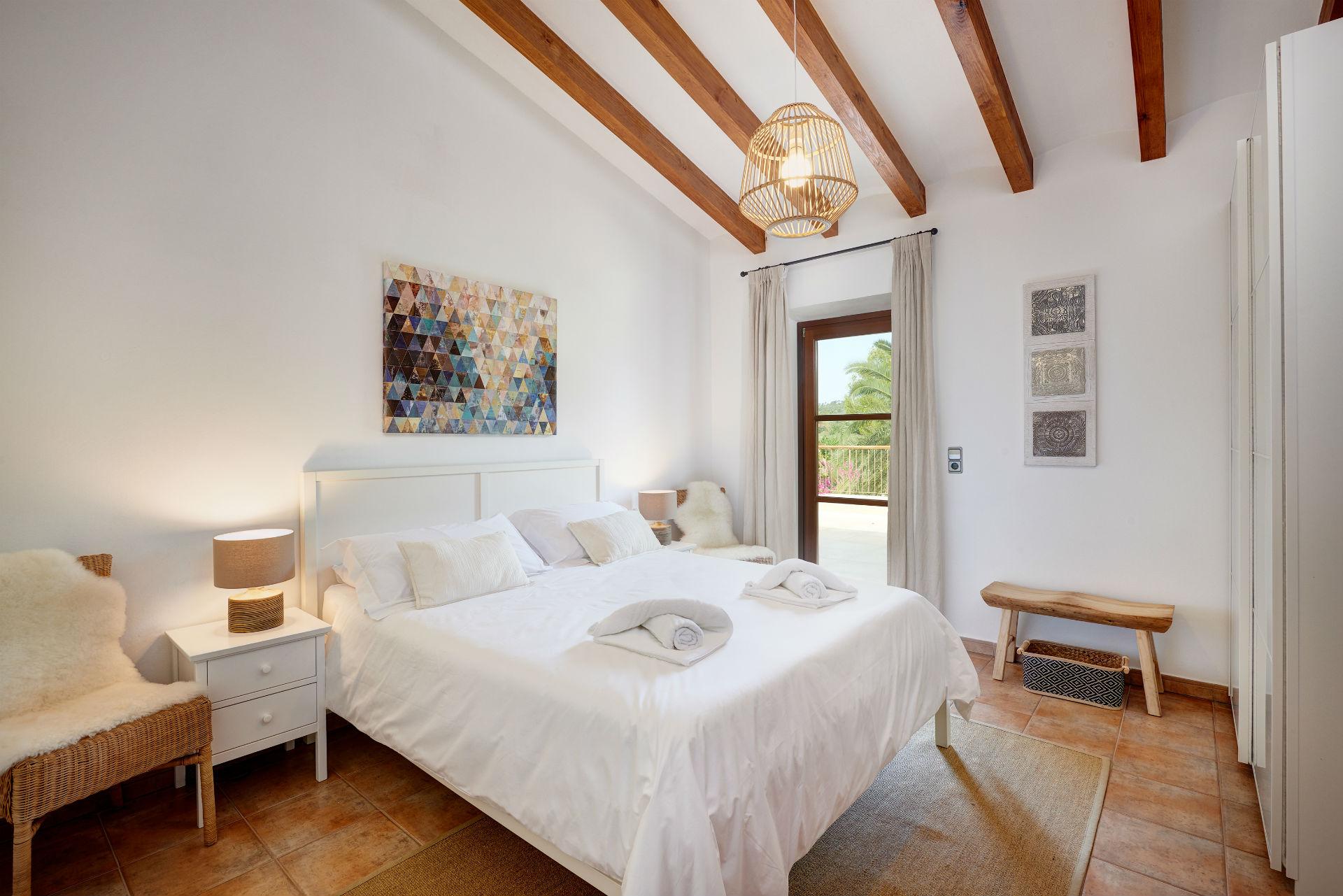 25 Casa Adrover Pollenca Room View 1