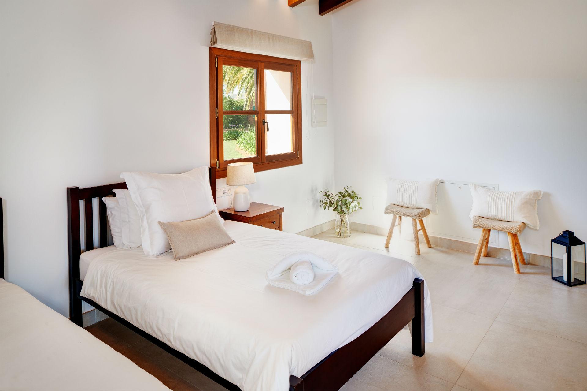 27 Casa Adrover Mondrago Room