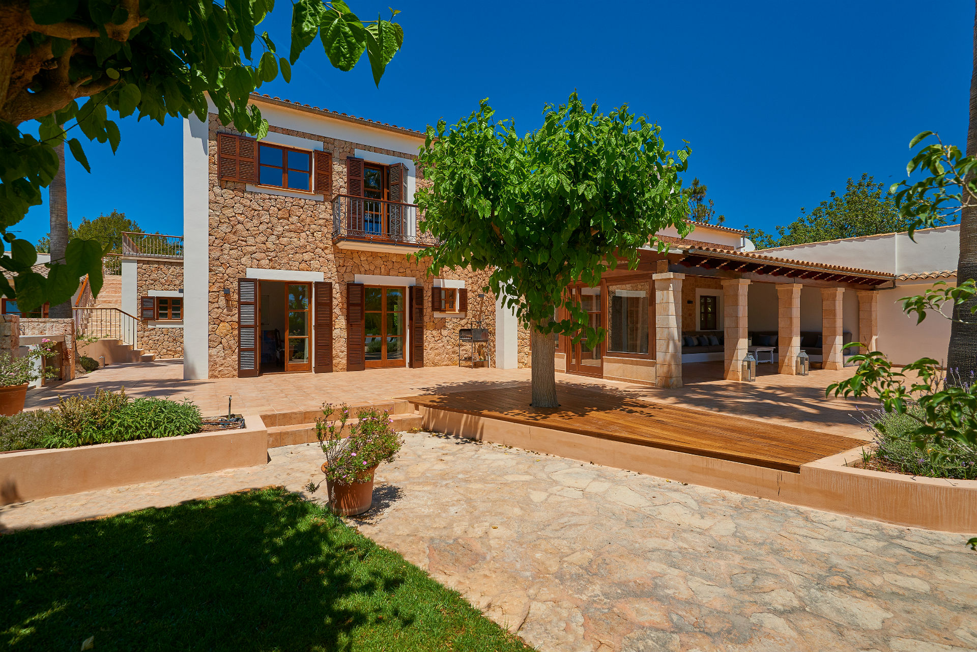 5 Casa Adrover Villa Grounds